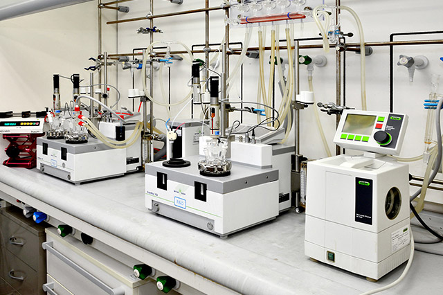 Automated Synthesis Equipment